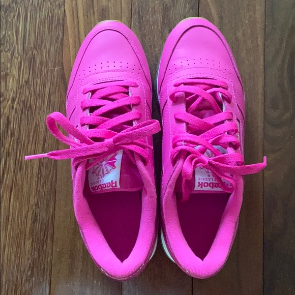 Reebok Shoes   Hot Pink Classic Size 75
